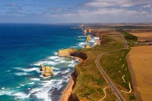 la route de Great Ocean Road et les 12 apostle