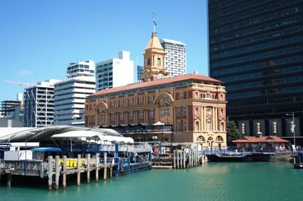 Le port d'Auckland en Nouvelle-Zélande est le point de départ de balades en mer.