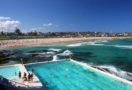 Bondi Beach à Sydney en Australie est un incontournable